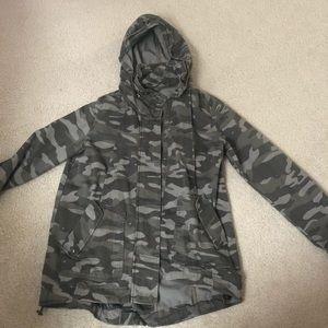 Jolt size medium camo jacket